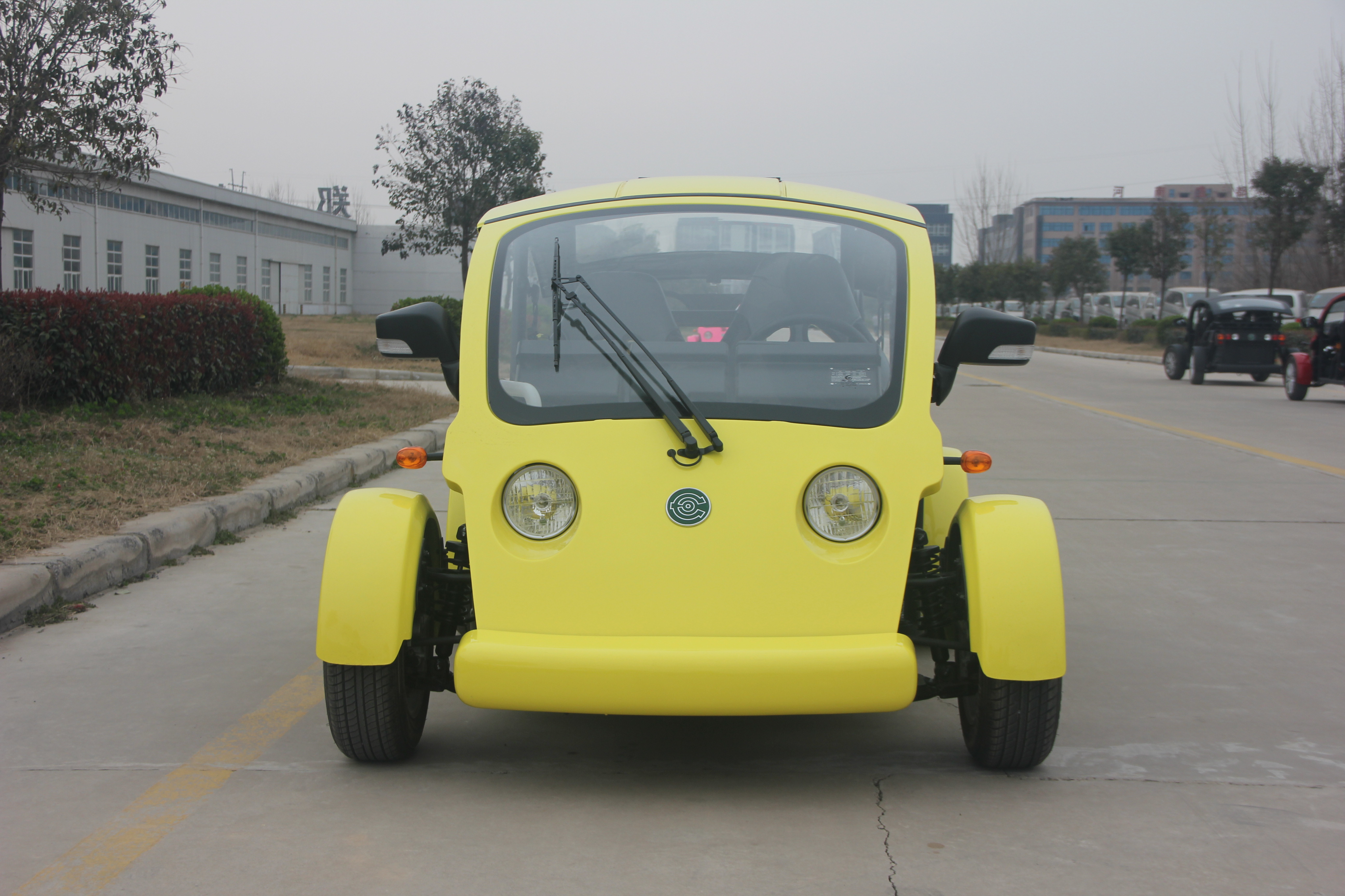 Yellow Color Utility Golf Cart Sightseeing Car PP Material With 40 KM/H Max Speed